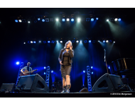 paula-cole-admiral-theater-clair-brothers-stage-monitor-9207